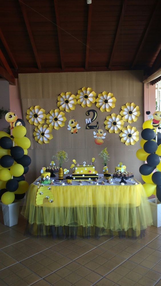 Daisy Bumblebee Theme Dessert Table