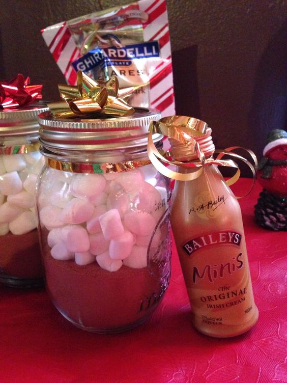 DIY Gifts in a Jar - Hot Cocoa
